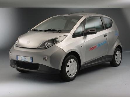 Autopartage : la voiture électrique Bluecar de Bolloré débarque à Turin