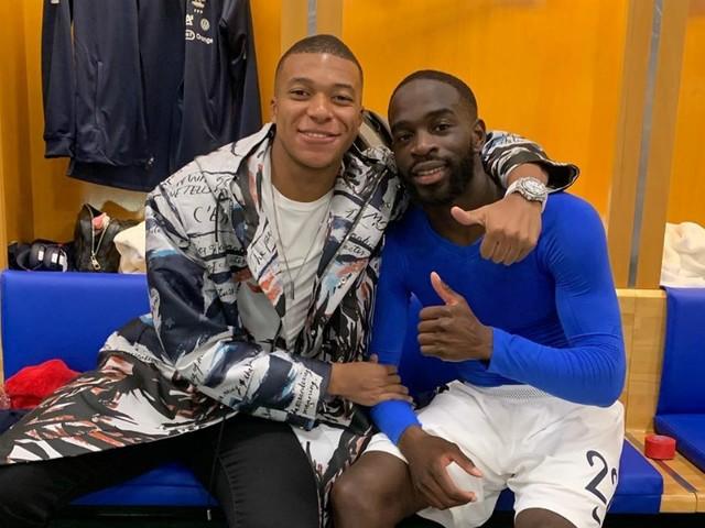 """Mbappé félicite son """"frère"""" Ikoné"""