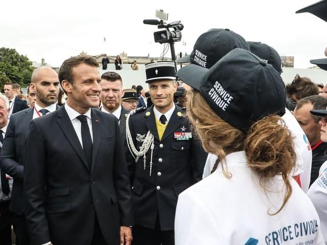 À Amiens, Macron rencontre la jeunesse après une série de rendez-vous manqués