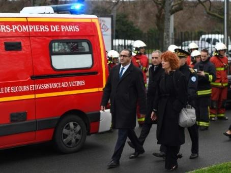 Un mort et deux blessés dans une attaque au couteau à Villejuif, l'assaillant abattu