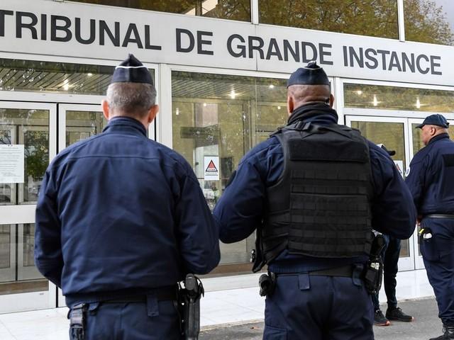 Policiers brûlés à Viry-Châtillon: des peines de 10 à 20 ans pour 8 des accusés