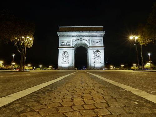 La France signale près de 28.000 nouveaux cas de Covid-19 en 24 heures contre 45.500 la veille