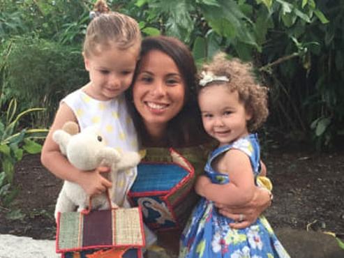 """""""Le temps que je réalise, la voiture était déjà encastrée dans la mienne"""": Nadia a perdu ses 2 filles, percutées par un chauffard en France"""