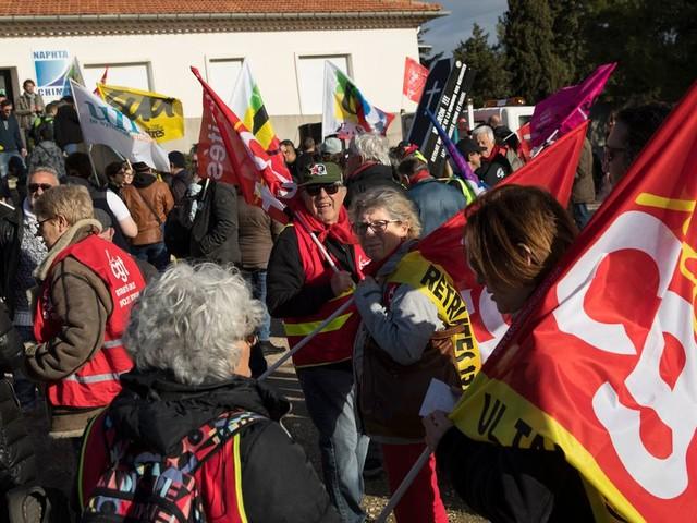 Des grévistes RATP reçoivent un chèque de 250.000 euros d'un syndicat CGT