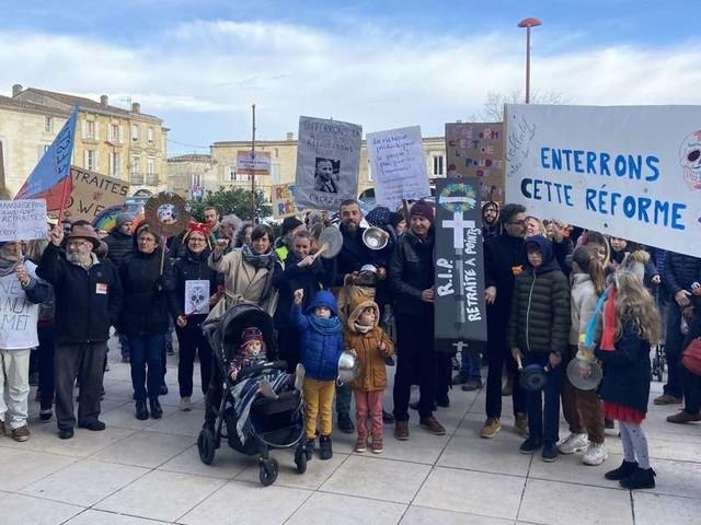 Vidéo. Créon (33) : une manifestation pour enterrer la réforme des retraites