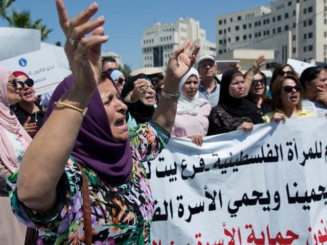 """En Palestine, la mort suspecte d'une jeune femme relance le débat autour """"des crimes d'honneur"""""""