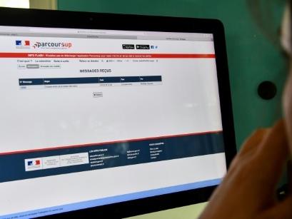 Parcoursup: léger mieux par rapport à l'an dernier mais 60.000 candidats sans proposition