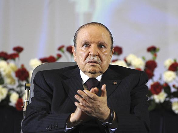 Algérie: Bouteflika projette de rester Président après l'expiration de son mandat