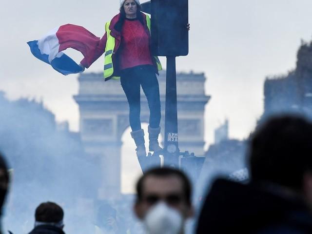 Pour leur anniversaire, des gilets jaunes veulent retourner sur les Champs-Elysées