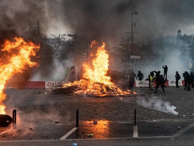 Caméras tactiques à Paris : le plan secret de la préfecture de police pour le 5 décembre