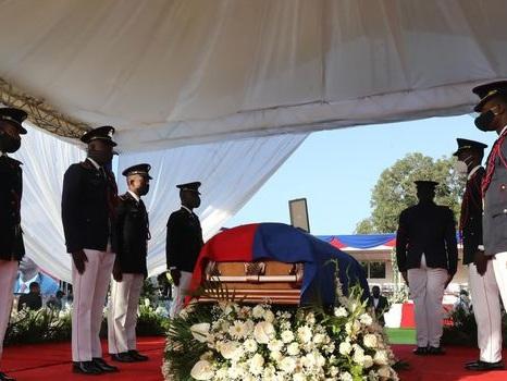 Haïti dit adieu, sous haute sécurité, à son président assassiné