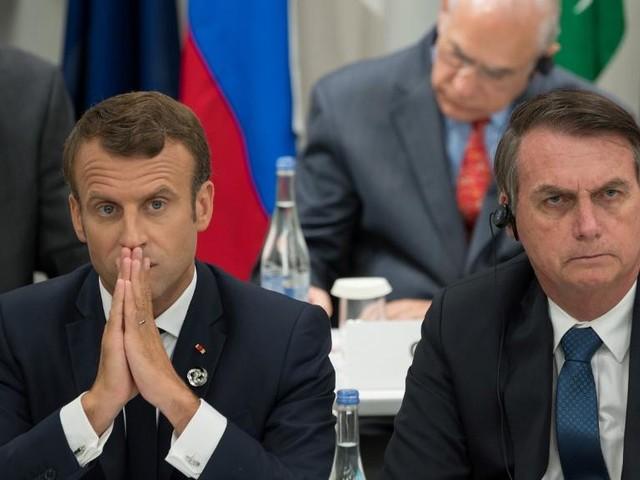 EN DIRECT - Amazonie : Bolsonaro n'utilisera plus de stylo Bic parce que c'est une marque française