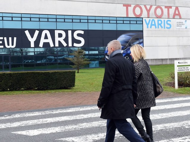 Coronavirus: le redémarrage de l'usine Toyota à Valenciennes fait des remous