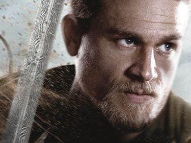 Le Roi Arthur : Charlie Hunnam révèle que le tournage était du grand n'importe quoi