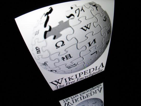 Poutine appelle à la création d'une alternative russe à Wikipédia