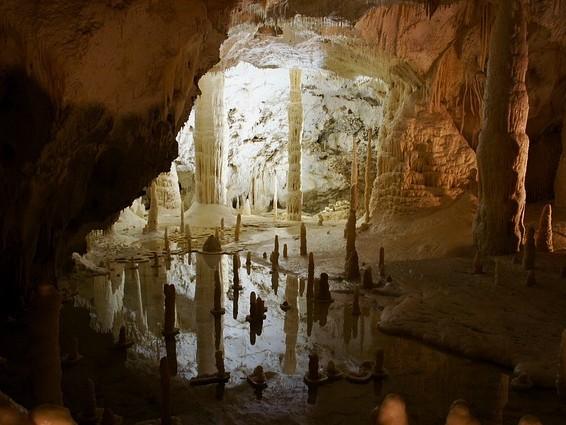 L'ESA va emmener des astronautes dans des caves souterraines pour les entraîner à rechercher de l'eau