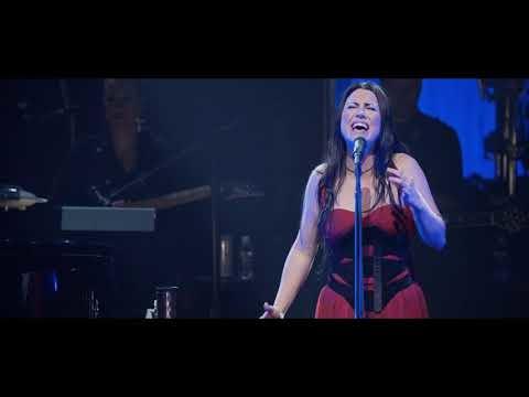 Evanescence a mis en ligne le live de My Immortal avec un orchestre symphonique.Synthesis...