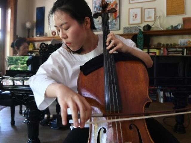 """Le """"Reine Elisabeth"""", tremplin de rêve pour les futures stars du violoncelle"""