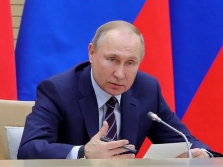 Vladimir Poutine, un nouveau départ pour mieux rester ?