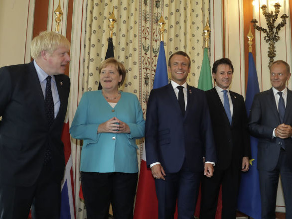 Sans la Russie, sans la Chine et sans le Brésil, Nicolas Dupont-Aignan s'étonne du format G7