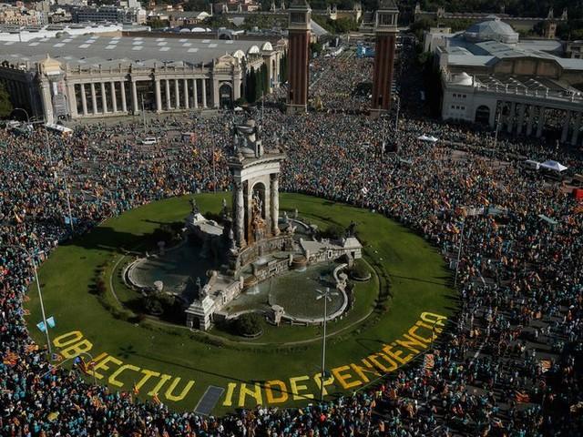 Espagne: Des peines allant jusqu'à treize ans de prison pour les indépendantistes catalans