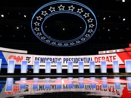 Les démocrates se retrouvent pour un débat dominé par l'enquête contre Trump