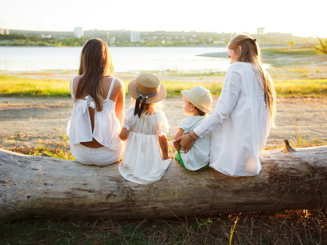 """""""Nous sommes devenues mères après 15FIV"""", Adeline et Mathilde racontent leur PMA"""