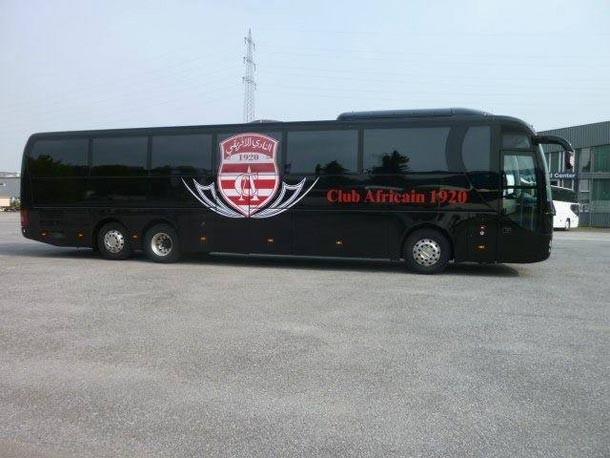 Tunisie – Le bus du Club Africain vandalisé à Radès