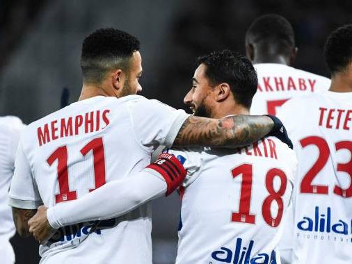 Ligue 1 : Lyon cuit Paris à l'étouffée