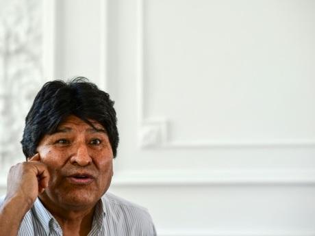 Morales dénonce un coup d'Etat dû aux richesses en lithium de son pays