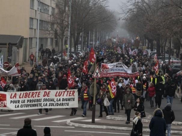 Gilets jaunes, réforme des retraites : ce que nous dit la France qui grogne