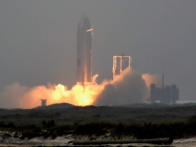 La fusée Starship de SpaceX réussit son atterrissage