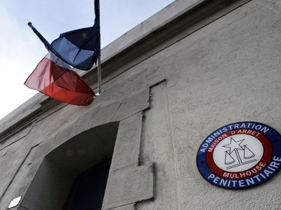 """La prison, c'est l'ENA du djihad"", analyse le chercheur Hugo Micheron"