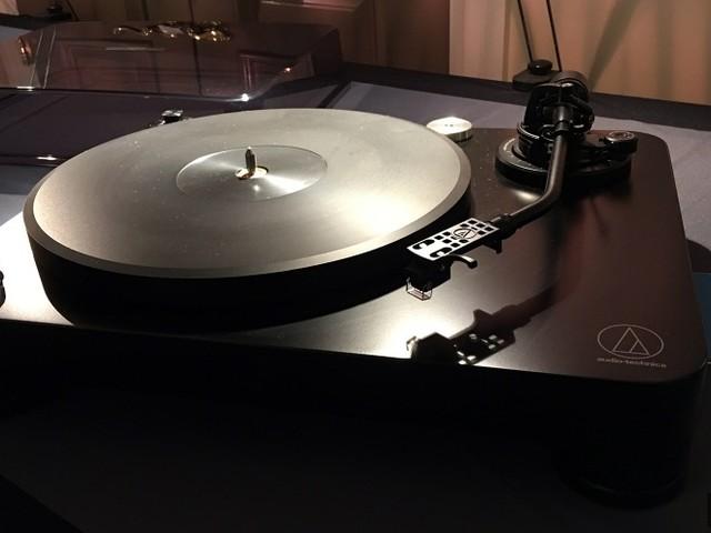 Audio Technica présente sa platine vinyle AT-LP7
