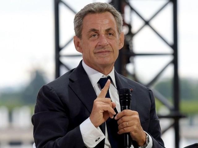 """Vidéo. Sarkozy a """"de la peine"""" pour les Balkany et """"espère qu'ils vont tenir le coup"""""""