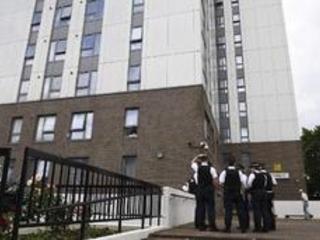 Incendie dans une tour d'habitation à Londres - GB: 60 immeubles déclarés non conformes aux normes anti-incendie