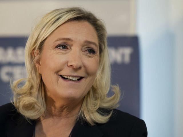 """Pour fêter le Brexit, le Financial Times peaufine la """"stature présidentielle"""" de Marine Le Pen"""