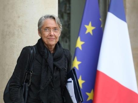 """Nucléaire: EDF doit aussi """"réfléchir"""" à un scénario """"100% énergies renouvelables"""" (Borne)"""