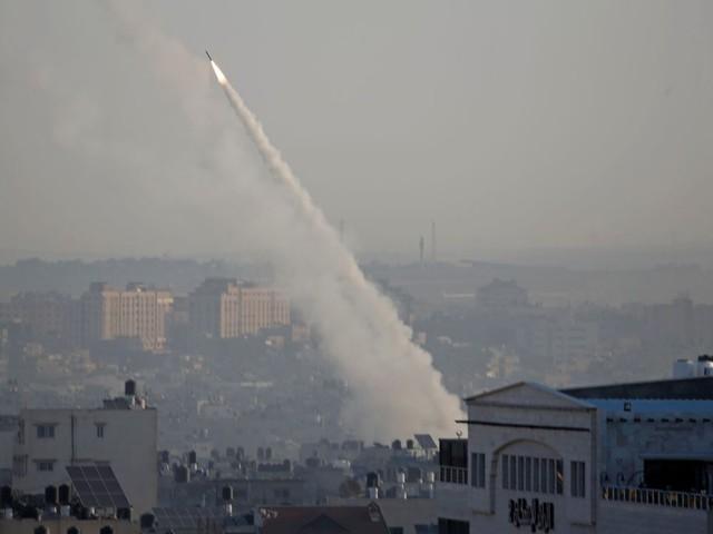 Israël abat un chef du Djihad islamique, tirs de roquettes depuis Gaza