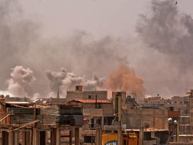 Syrie : bombardements intenses sur le dernier réduit de l'EI à Damas