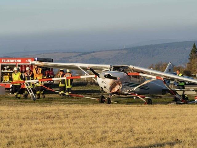 Un avion fauche un groupe de personnes, plusieurs morts