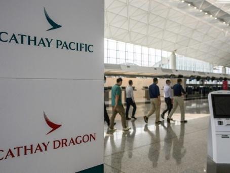 Cathay Pacific réduit ses effectifs d'un quart et ferme une filiale
