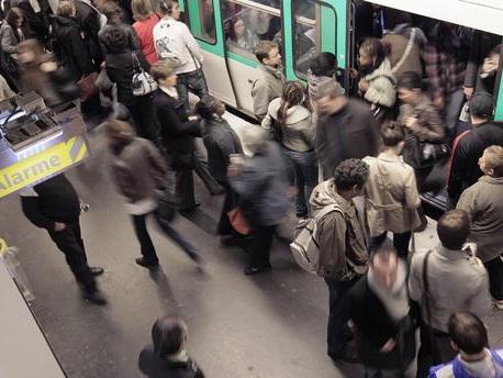 """Grève dans les transports : un """"vendredi noir"""" attendu en région parisienne, les prévisions de trafic"""