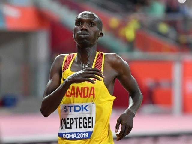Athlétisme: Cheptegei bat le record du monde du 10 km en 26 min 38 sec