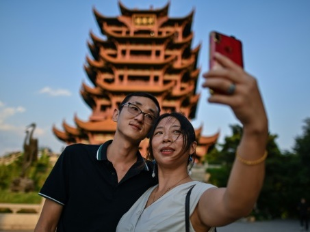 Pékin veut changer le récit de la pandémie et pose Wuhan en vedette