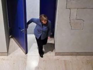 Elections législatives en Allemagne - Rencontre exploratoire d'Angela Merkel et Martin Schulz