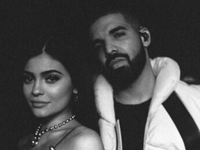 Kylie Jenner en couple avec Drake ? Un détail dans cette photo sème le doute
