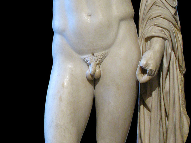 Pourquoi les statues grecques ont-elles de si petits pénis ?