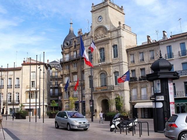 VIDÉO - Municipales à Béziers : les candidats débattent en direct et en public