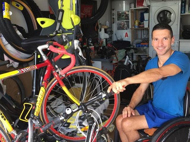 PORTRAIT. Paraplégique, il répare vélos et fauteuils roulants dans son garage de Charente-Maritime